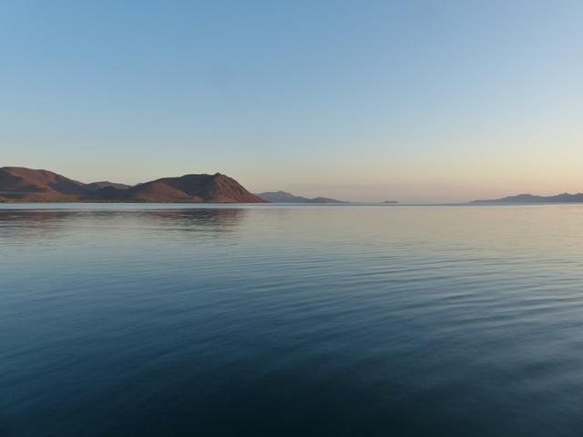 Sunrise at Isla Requeson